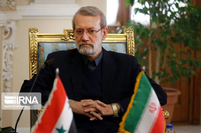 لاریجانی:  ایران در بازسازیها کنار سوریه ایستاده است