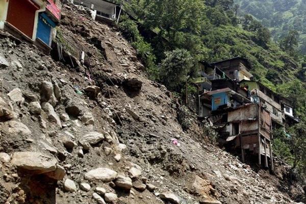 ساخت و ساز در روستاهای دارای رانش به شدت کنترل شود