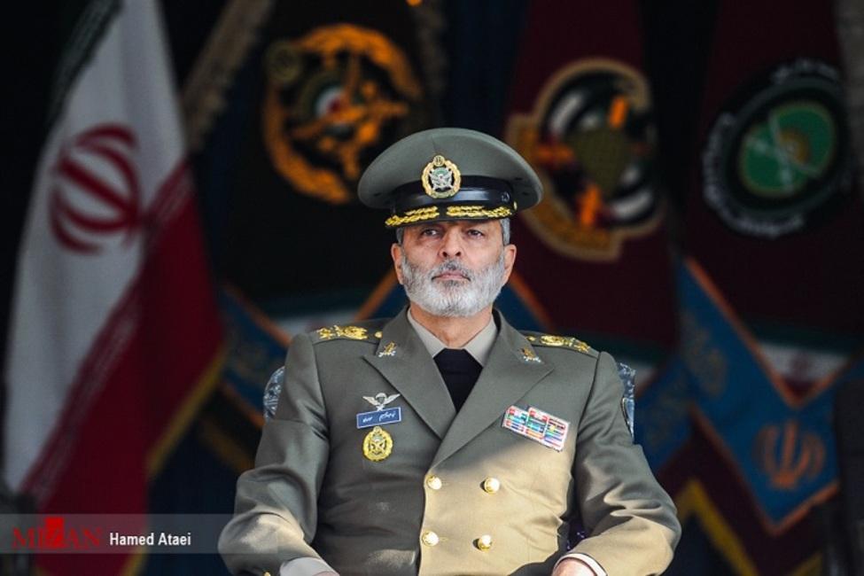 فرمانده کل ارتش در گذشت والده حجت الاسلام والمسلمین آل هاشم را تسلیت گفت