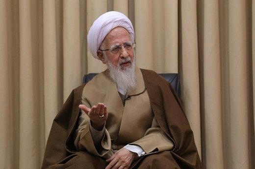 آیتالله جوادی آملی: نظام مقدس جمهوری اسلامی در مسیر حق حرکت میکند/ دلال غده سرطانی است