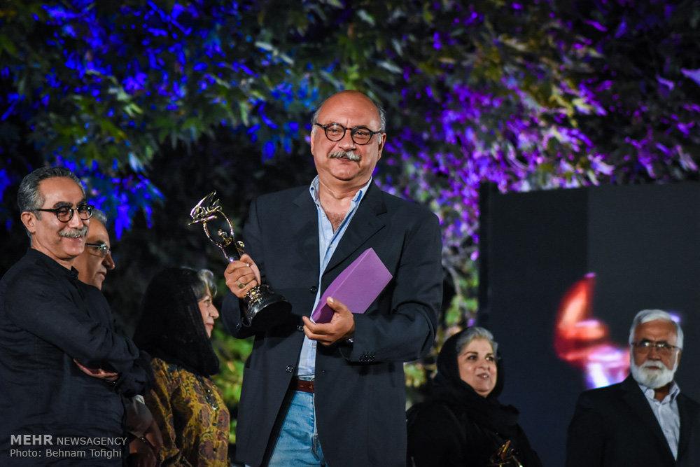 بابک کریمی مراسم اهدای جوایز «ایسفا» را اجرا میکند