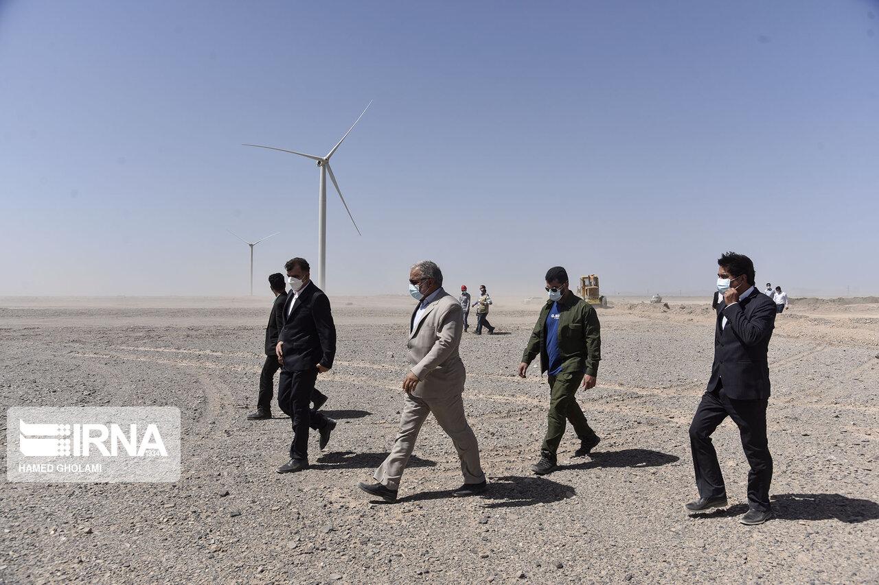 بازدید استاندار سیستان و بلوچستان از منطقه ویژه انرژی بادی میل نادر