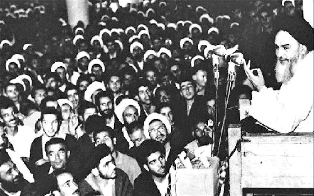 در قیام ۱۵ خرداد جریان مذهبی و مرجعیت، تنها وارد میدان شدند