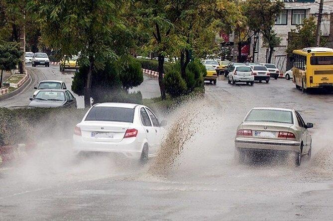 رگبارهای شدید شمال و شرق اصفهان را فرا میگیرد