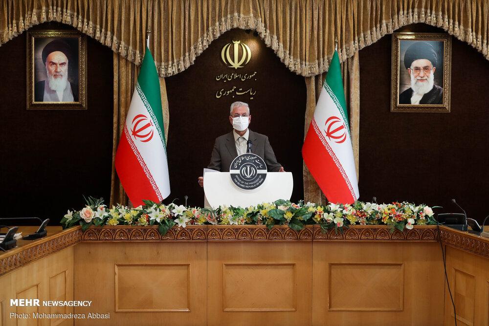 لاریجانی سند ایران وچین را پیگیری میکند/تن به بازی آمریکا نمیدهیم