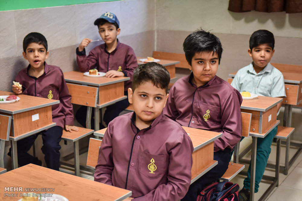 مدارس کشور سال آینده بازگشایی خواهند شد/نگرانی از سواد یک نسل