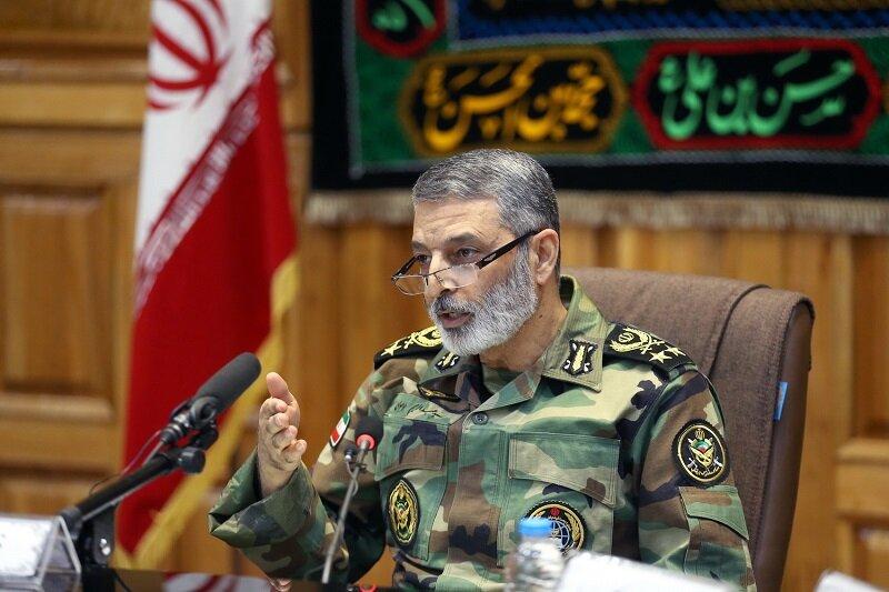 ملت ایران بیش از ۴۰ سال نظام سلطه را زمینگیر کرده است
