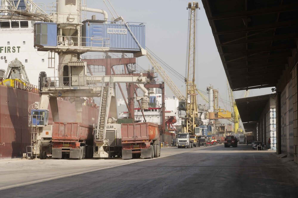 واردات ۱۰ میلیون تن کالای اساسی از بنادر