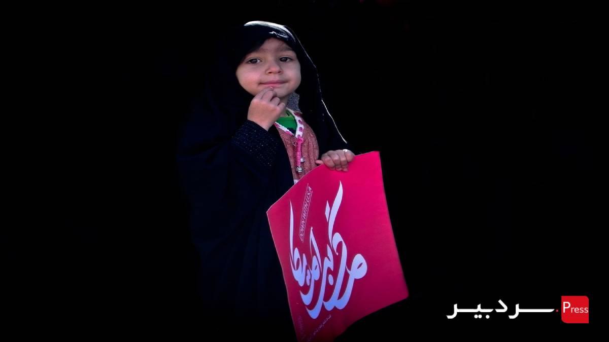حضور  کودکان در راهپیمایی ۲۲ بهمن